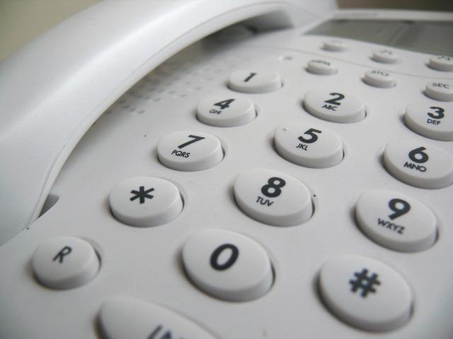 Téléphone d'assistance pour personnes âgées